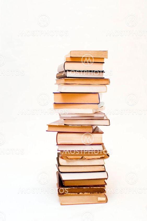 Bøger på hvid baggrund