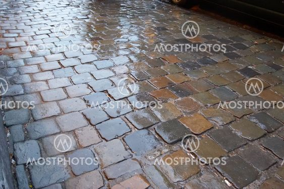 wet pavement pattern