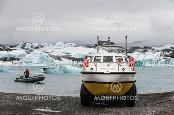 Amphibian boat with tourists at Jökulsárlón, Iceland