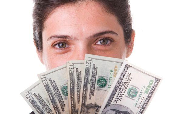 näytetään rahaa businesswoman