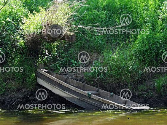 sommaren floden - förlorade båt