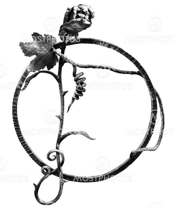 Smedet ringen med rose og vin