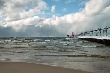 Winter Storm Moving on Shore