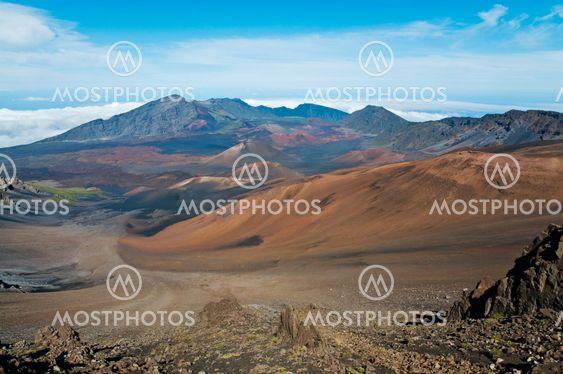 Colors of Haleakala crater