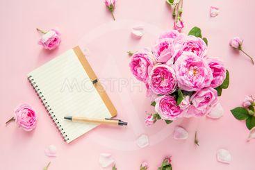 Top view tender pink tea roses bouquet, empty blank...