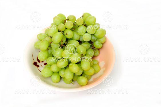 Grønne druer i en skål
