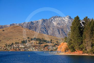 Remarkables mountain and Lake Wakatipu, Queenstown, New...