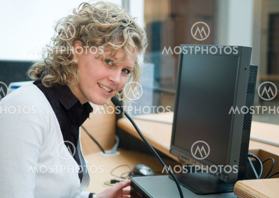 Frontdesk worker