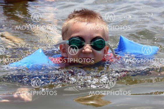 Uinti järvelle