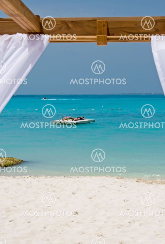Beach Bed in Paradise