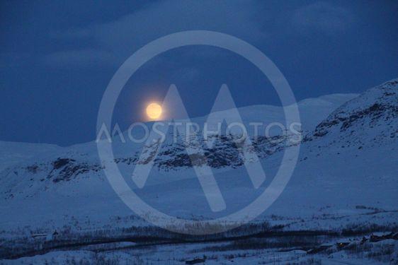 Måne i Riksgränsen _1