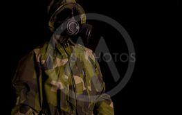 soldat med skyddsmask