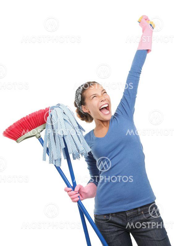 Glada hus rengöring kvinna