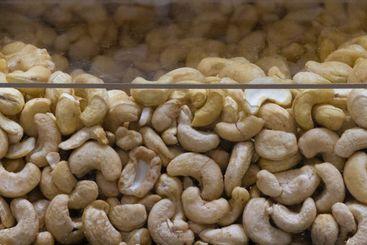 Cashewnötter i display i butiken - Silvertid