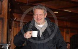 Man med kaffekopp