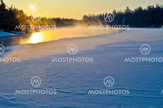 Kolde winterday ved søen