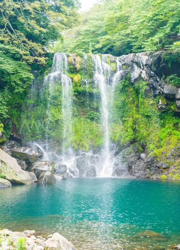 cheonjeyeon waterfalls in Jeju Isaland