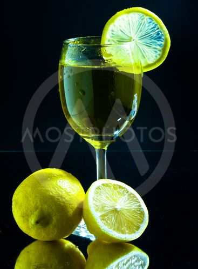 Lime juice with lemon
