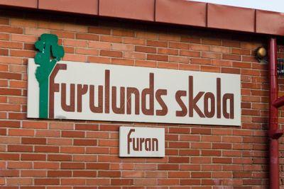 Furulunds skola, skylt