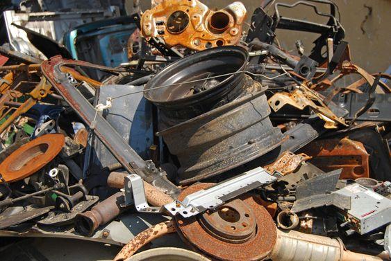 Skrot heap af brugte biler dele