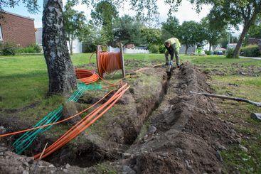 Installation av fibernät till villafastigheter.