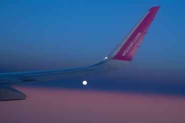 Wing in the sky WizzAir plane