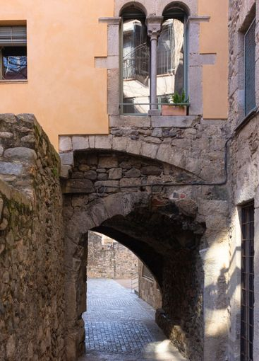 Stone arch in a house in the City