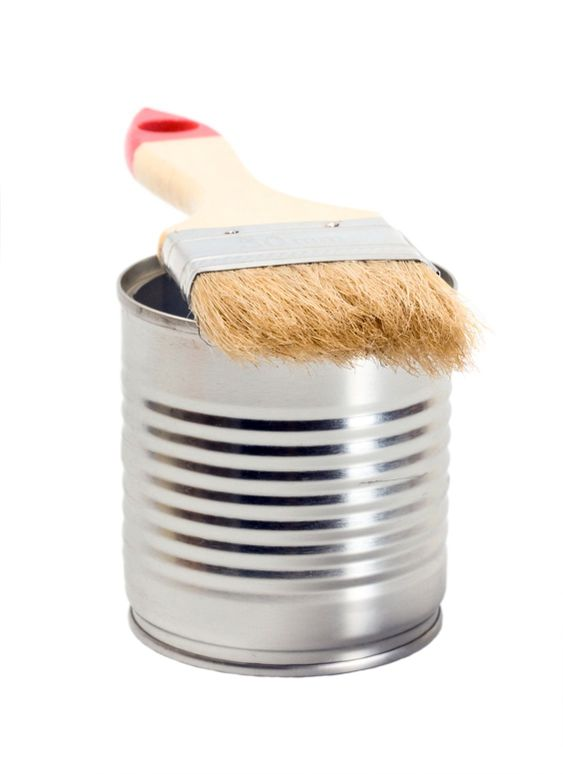 Tin paint and paint brush