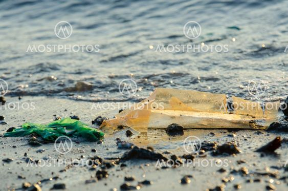 Pollution plastic at sea.