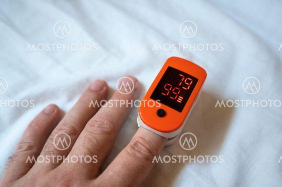 Portable pulse oximeter digital device