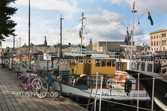 Tukholman asuntoveneisiin