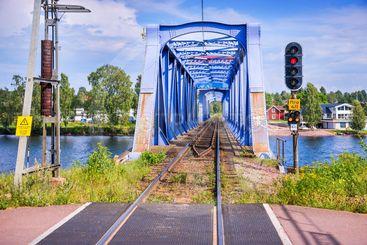 Signal och järnvägsbro över Österdalälven i Mora