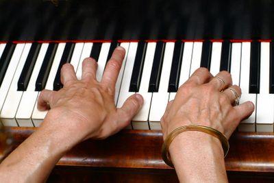 betastete Klaviertasten | palpate keyboard