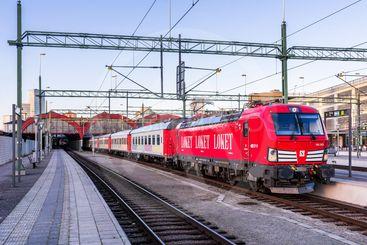 Snälltåget persontåg på Malmö centralstation