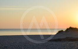 Solnedgång vid en strand på Gotland 3
