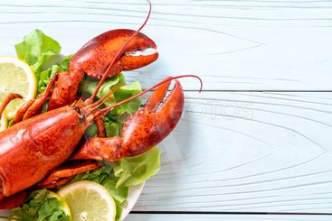 boiled lobster with vegetable and lemon