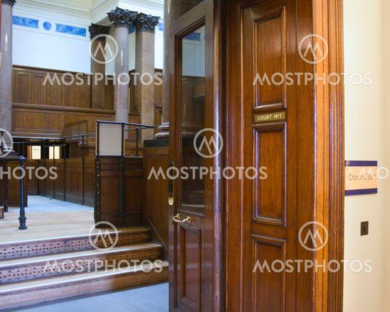 Mycket gamla rättssalen (1854) på St Georges Hall, Liverpool, UK