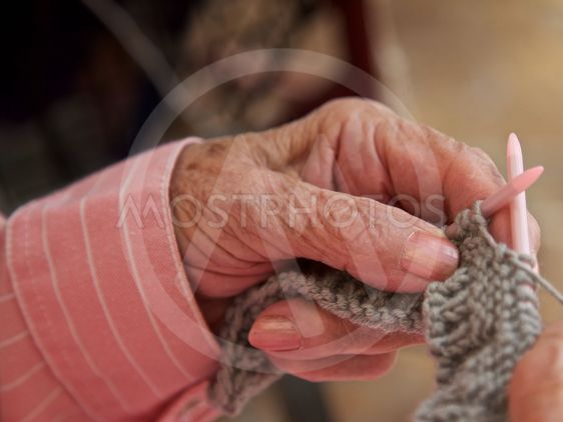 Senior, knitting