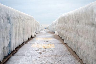Ice Vanishing Point
