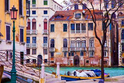 italy,venice : gran canale under the rain
