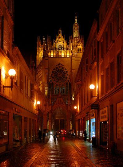 Kathedrale in Metz bei Nacht