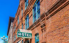 Red Brick Cadillac Hotel