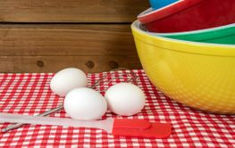 retro mixing bowls with eggs
