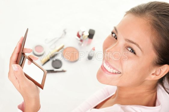 Att lägga makeup