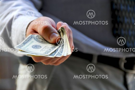 Hand offer money