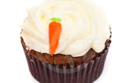 carrot cupcake with butter and sugar icing