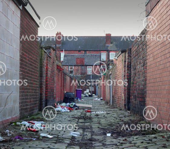 Beskidte back street alley