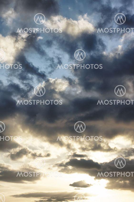 Stormfulde Sky
