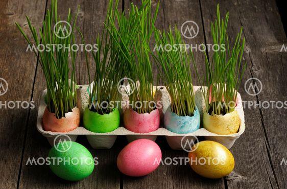 Värillinen pääsiäismuna