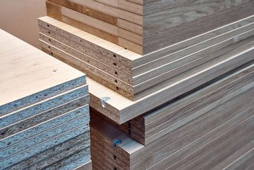 Veneer chipboard shelves with integrated shelf supports....